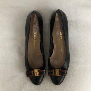 Salvatore Ferragamo black leather 1 inch heels